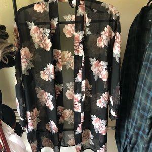52e945459 Black H&M Kimono on Poshmark